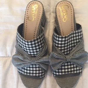 Circus by Sam Edelman Gingham open toed sandal!
